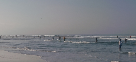 Looks like a spring opener in Mammoth, no, its Huntington Beach. Photo by Al Q